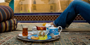 Visit real homes in Iran ( People Place Plate Tours )
